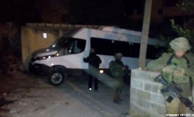 """ערבים גנבו 15 מיניבוסים בשווי 6 מיליון ש""""ח"""