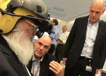 בן דהן עם קסדת הטייס המתקדמת בעולם