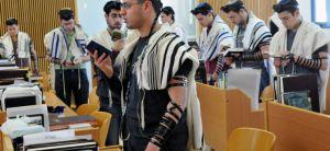 חדשות המגזר, חדשות עולם הישיבות ישיבות ומכינות, תפסיקו לחזר אחרי השמיניסטים