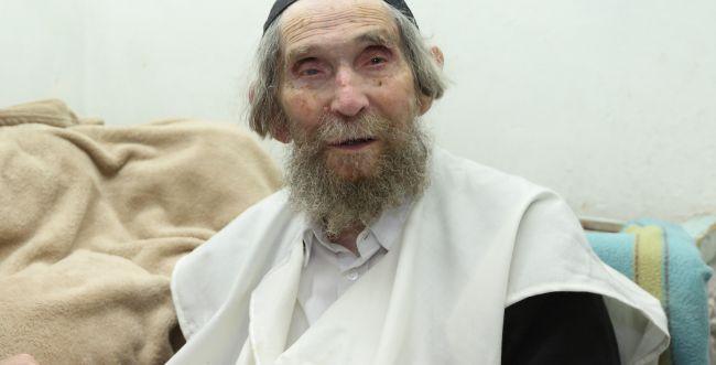 אחרי שבועיים: הרב שטיינמן שוחרר מבית החולים