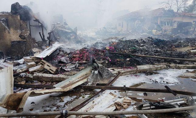 כמו אחרי הפצצה: זוהו הרוגי שריפת מחסן הזיקוקים