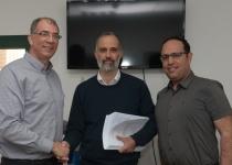 הרב יצחק זאגא הגיש רשמית את מועמדתו