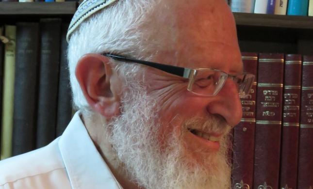 """הרב ישראל רוזן זצ""""ל, החכם הכולל/ הרב אבינר סופד"""