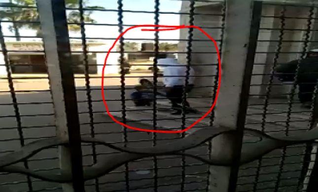 צפו: פדופיל נתפס עם ילד בן שנתיים בנתיבות