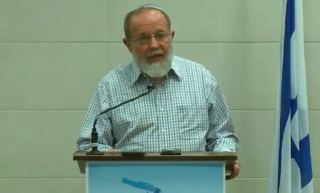 צפו: הרב אלי סדן מתייחס לדרישה לפטר את הרב יגאל