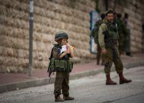"""רבנים ספרדים: """"חל איסור להתחפש לחיילים ושוטרים"""""""