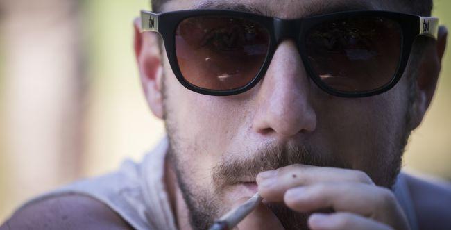 5 סיבות (ועוד 2) למה אסור לעשן קנאביס