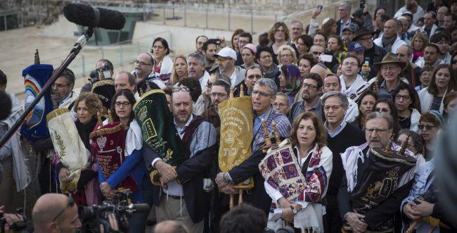 הקונסרבטיבים החליטו: נצרף גויים לקהילה היהודית