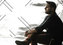 העולם של עקיבא: ביקורת אלבום בכורה