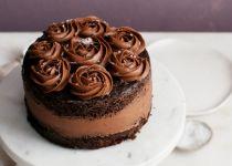 לפרוח ממתיקות: מתכון לעוגת שוקולד ושושנים