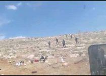"""בושה: נערי גבעות משליכים אבנים על חיילי צה""""ל"""