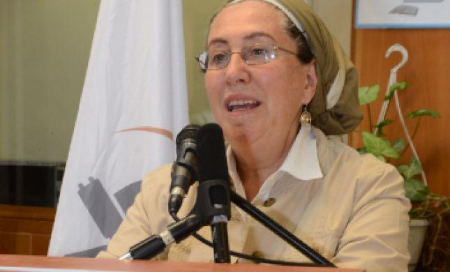 בין מדליקי המשואות: הרבנית חנה הנקין