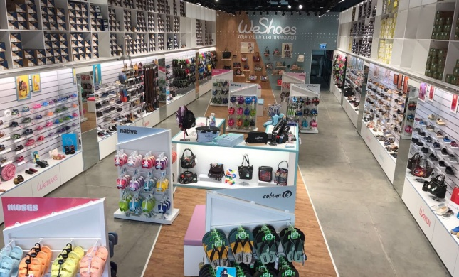 רשת חנויות קרוקס אנד מור תעבור מיתוג מחדש ותיקרא WeShoes