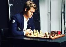 שחמט: אלוף העולם עדיין לא מצליח לזכות