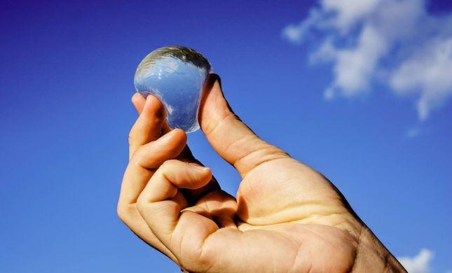 לשתות מבועה: הכירו את בקבוקי המים של העתיד