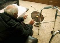 """""""אל תשליכני לעת זקנה"""" מדוע המדינה ממשיכה להזניח את ניצולי השואה?"""