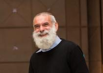 התפללו: הרב אביחי רונצקי מאושפז בטיפול נמרץ