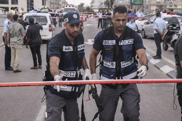 פלסטיני דקר ארבעה אזרחים בתל אביב ונעצר