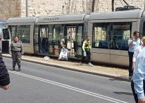 בת 25 נרצחה בפיגוע דקירה ברכבת הקלה בירושלים