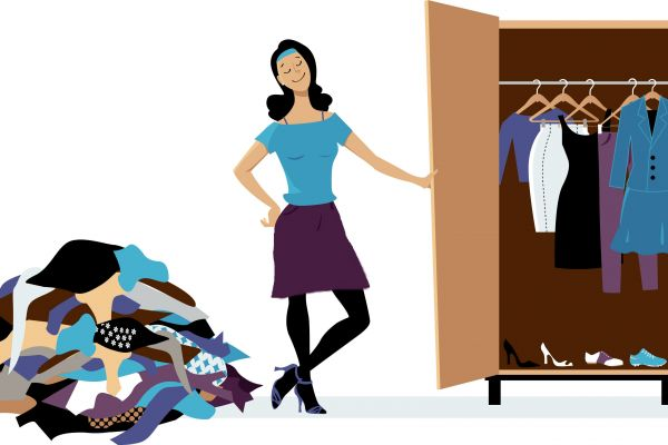 מתקשה להיפרד מבגדים ישנים? כך תצליחי להתגבר