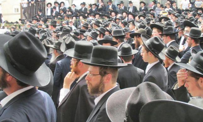 אלפים בהלווית הרב יעקב בורנשטיין בבני ברק