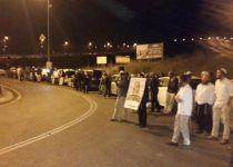 מאות הפגינו למען אלקנה פיקאר