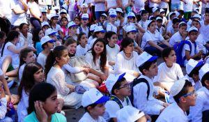 חדשות, חדשות בארץ, מבזקים המיזם הצליח: גם חילונים וחרדים חגגו את יום ירושלים