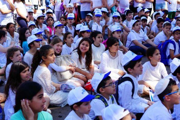 המיזם הצליח: גם חילונים וחרדים חגגו את יום ירושלים