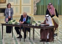 """""""איש הדת מארה""""ב"""" ביקור טראמפ בעיתונות הערבית"""