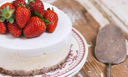 אוכל, מתכונים חלביים עוגה לשבת: מתכון לעוגת גבינה על בסיס מפתיע