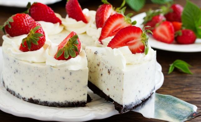 לא רק גבינה: 5 מתכונים לעוגות מנצחות לשבועות