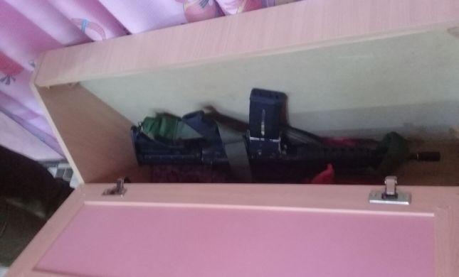 המחבלים החביאו את הנשק במיטת הילדות