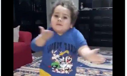 ויראלי צפו: הילד הערבי שמשגע את הרשת