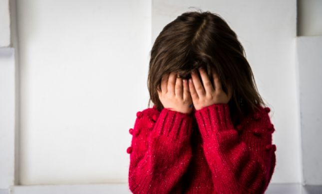 מחריד: אב ביצע עבירות מין בביתו הקטינה