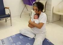 """""""לעודד טיפול בתינוקות בשיטת 'צ'יילד ספייס"""""""