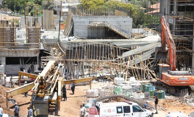 גני תקווה: תקרת בית ספר בבנייה קרסה על הפועלים