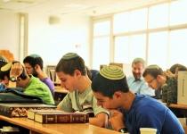 טרנד חדש: תיכוניסטים הולכים ללמוד בישיבות הסדר