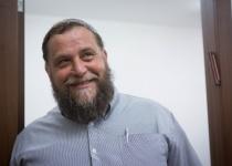בגלל כתבה: בנצי גופשטיין תובע את עיתון 'הארץ'