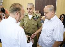 סדק בתביעה? פגישת גישור בין הצדדים במשפט אזריה
