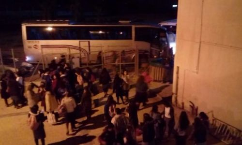 חדשות המגזר, חדשות קורה עכשיו במגזר, מבזקים המאבק מתחדש: מאות בנות אולפנה הגיעו לכותל