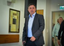 """אבי גבאי חושף: מי יהיה יו""""ר האופוזיציה אם אבחר"""