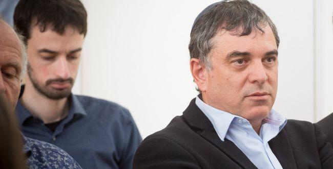 עד המדינה שלמה פילבר הודיע על התפטרותו