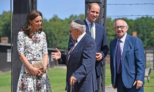 דיבור נשי, סרוגות מרגשת ביותר: הדוכסית מבקרת במחנה השמדה