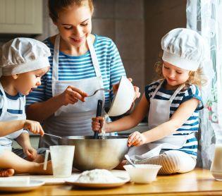 אוכל, מתכונים חלביים צפו: 4 מתכונים שתשמחו לפתוח איתם את היום