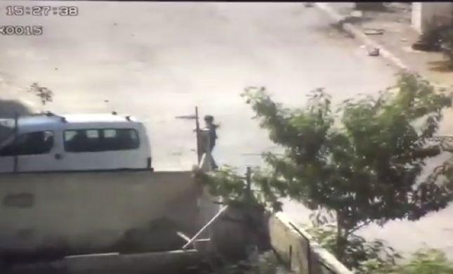 צפו: לוחמים תופסים 'על חם' מחבלים שיידו אבנים