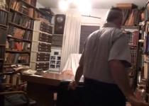 צפו: 'נותר כפי שהיה': הצצה נדירה לביתו של הרב גורן