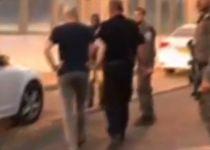 צפו: רגע המעצר של אלדד יניב והבאתו לחקירה