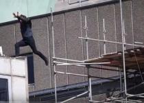 אאוץ': טום קרוז נפל כשצילם פעלול לסרט חדש