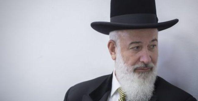 הרבנות תשלול את התואר רב מיונה מצגר?