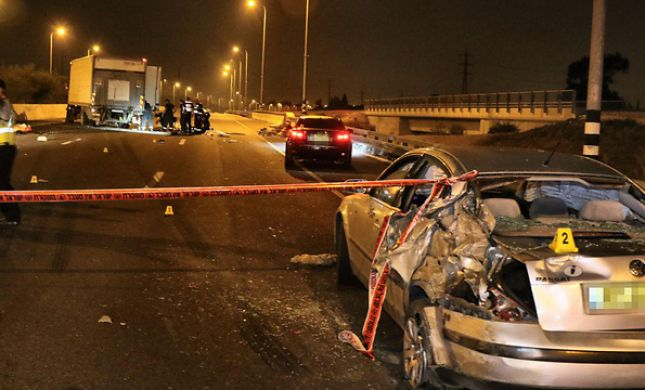 לילה קשה: נהג משאית דרס למוות שלושה צעירים